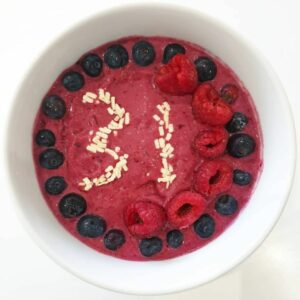 Alice Birthday Smoothie Bowl using Nutribuddy Breakfast