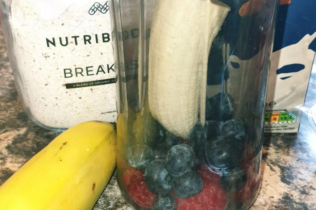 Banana Berry Breakfast Shake Smoothie